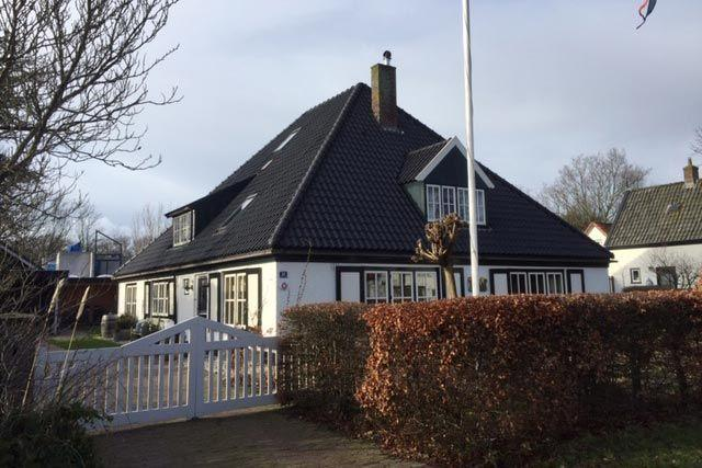 Beautiful farmhouse for 6 people in Bergen, 5 km from the beach.